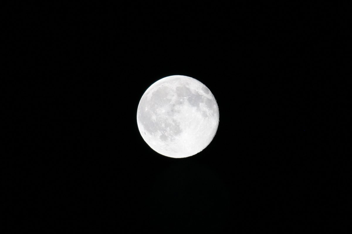 Zoomed full moon